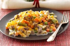 Try our extraordinary beef-and-egg noodle bake. So velvety rich & smooth that creamy gets a shout-out in the title of our Creamy Beef & Egg Noodle Bake. Kraft Recipes, Beef Recipes, Cooking Recipes, Family Recipes, Pasta Recipes, Beef Noodle Casserole, Casserole Recipes, Pierogi Casserole, Pasta