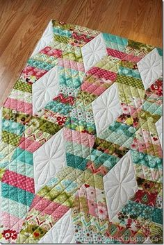 Simple design - simple quilting and just beautiful result... love this!