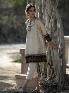Dress Indian Style, Indian Dresses, Indian Wear, Indian Outfits, Pakistani Fashion Casual, Pakistani Dresses Casual, Indian Fashion, Indian Designer Outfits, Designer Dresses