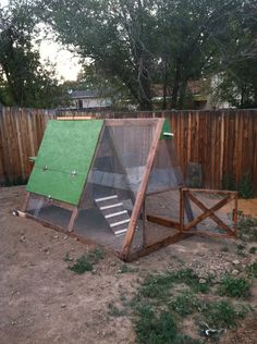 Chicken coop made out of scrap wood and a pallet. - maybe for a coop? - Gardening For You A Frame Chicken Coop, Chicken Coop Pallets, Portable Chicken Coop, Chicken Pen, Chicken Coop Plans, Building A Chicken Coop, Diy Chicken Coop, Chicken Tractors, Chicken Lady