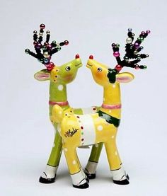 Appletree Design 62017 Magnetic Deer Salt and Pepper Set 318 by 618 by 114Inch Yellow and Green