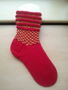 Knitting Socks, Knit Socks, Needlework, Slippers, Crochet, Projects, Ravelry, Napkins, Fashion