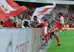 Arsenal v Southampton, 2016. Arsenal celebrate.