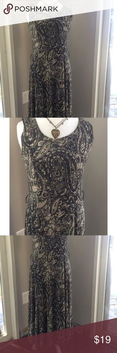 Jones New York black casual dress S NWT Casual chic Jones New York Dress NWT Sleeveless great for spring or summer. Polyester, fully lined, missing belt. Necklace is for pictures only :) happy poshing! Oh size S, fits  4 with no problem. Maybe also a 6. Jones New York Dresses High Low