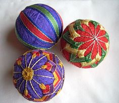 Japanese Temari balls tutorial- Perfect for when I teach the kids about Japanese culture and traditional crafts. I love having something hands on for them experience.