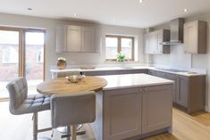 Project Album - Sherwin Hall Bespoke Fitted Kitchens Leicester - Before After DIY Open Plan Kitchen Diner, Open Plan Kitchen Living Room, Kitchen On A Budget, Home Decor Kitchen, Interior Design Kitchen, Country Kitchen, New Kitchen, Home Kitchens, Kitchen Ideas