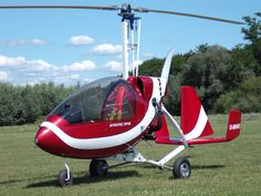 GYROTEC DF02 gyroplane - Single seat enclosed. This autogyro is manufactured in Germany; I'm not sure if it's in production any more.