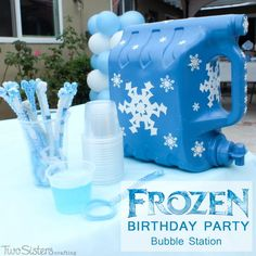 Disney Frozen Bubble Station - Two Sisters This Frozen DIY Bubble Station is a great activity for an outdoor birthday party. Kids can use the Bubble Dispenser to get their own DIY bubble solution. Disney Frozen Party, Princess Birthday Party Games, Frozen Party Games, Frozen Bday Party, Birthday Party Games For Kids, Frozen Themed Birthday Party, Slumber Party Games, 4th Birthday Parties, Frozen Movie
