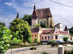 Villages with fortified churches in Transylvania, Romania, UNESCO World Heritage Site  Countries Of The World, World Heritage Sites, Places To Visit, Europe, Explore, Vacation, Mansions, Country, Transylvania Romania