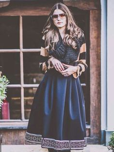 Adrian Oianu Pretty Woman, Midi Skirt, Stylish, Formal, My Style, Womens Fashion, Skirts, Romania, Outfits