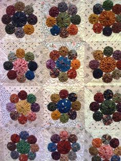 We have three quilts from her new book, Simple Graces . These photos do not do the quilts justice. You will have to see them in person. Quilting Projects, Quilting Designs, Sewing Projects, Small Quilts, Mini Quilts, Jellyroll Quilts, Fabric Crafts, Sewing Crafts, Yo Yo Quilt