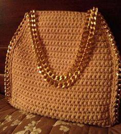 Marvelous Crochet A Shell Stitch Purse Bag Ideas. Wonderful Crochet A Shell Stitch Purse Bag Ideas. Crochet Handbags, Crochet Purses, Crochet Bags, Crochet Shell Stitch, Crochet Stitches, Diy Crochet, Crochet Crafts, Crochet Accessories, Bag Accessories