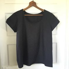 I just finished my April #monthlymaking project. It's a linen rayon #scouttee and black is a difficult color to photograph. #memademay #slowfashion. by comptastic