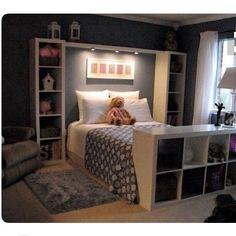Idée Structure de lit (double) Mur derrière gris foncé reste blanc  Pied de lit : meuble 3T déjà