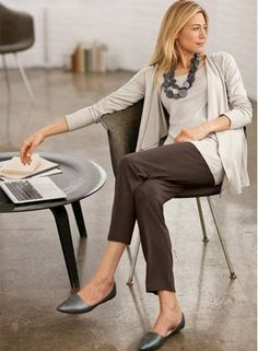 Tips on fashion for women over 50. Learn how to dress over 50 years, what type of clothing to wear. Get inspired by stylish female actress over 50. * Check out this great article. #womensfashionclothingover50