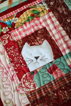 Cat potholder by Laurraine Yuyama | Patchwork Pottery