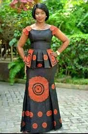 4 Factors to Consider when Shopping for African Fashion – Designer Fashion Tips African Fashion Ankara, Latest African Fashion Dresses, African Dresses For Women, African Print Dresses, African Print Fashion, Africa Fashion, African Attire, African Women, African Style