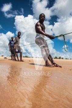 Pescadores/Fishermen by Artur Cabral – Moderimage
