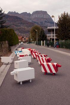 Verkehrsschafe by Christophe Machet