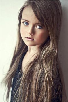 oh little li will have hair like this one day. one day! blue eyed brunettes are the prettiest:)