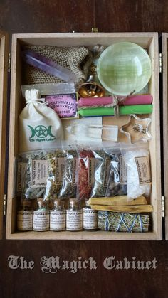 La Gloria Crystal Witches Box, Traveling Altar, Ritual Tools, Herbs, Incense…