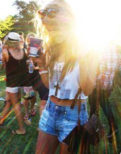 High waisted shorts and a cutoff= a perfect summer/spring break outfit Winslow Dog Summer Of Love, Summer Time, Pink Summer, Summer Nights, Summer Things, Summer Skin, Hello Summer, Summer Girls, Diy Crop Top