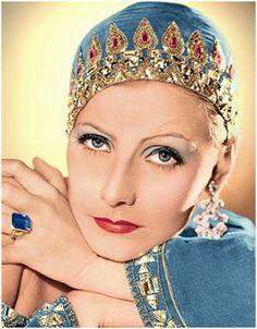 Greta Garbo, vestida por Adrian