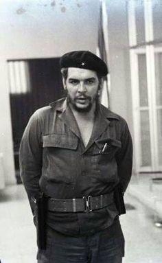 Comandante Ernesto Che Guevara - the Argentine-Cuban guerrilla fighter, revolutionary leader,. Che Guevara Quotes, Che Guevara Images, Che Guevara T Shirt, Power Trip, Coron, Che Quotes, Havana, Pop Art Bilder, Ernesto Che Guevara