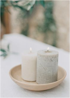If you are preparing for a fall wedding but don't want any bold colors and rich hues, choose a neutral color scheme. Neutral fall weddings are beautiful . Simple Weddings, Real Weddings, Romantic Weddings, Earth Tone Wedding, Neutral, Do It Yourself Wedding, Event Planning Tips, Ideas Para Organizar, Minimal Wedding