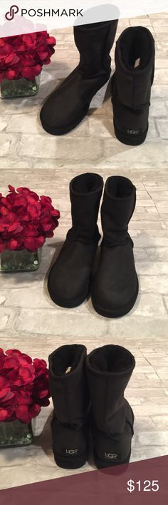 UGG LEATHER BOOTS Like new, worn once! Adorable yet rugged boot is water-resistant leather. Finished with signature UGG® comfort that features a plush wool interior and cushioning Treadlite by UGG™ sole for increased traction. Great quality investment.✅Price is firm but can be discounted with bundle. 🚫No Trades. UGG Shoes Winter & Rain Boots
