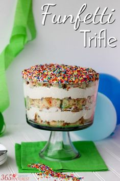 is made with layers of delicious vanilla cake, creamy pudding filling and fun rainbow sprinkles- perfect for birthdays!Trifle is made with layers of delicious vanilla cake, creamy pudding filling and fun rainbow sprinkles- perfect for birthdays! Trifle Cake, Trifle Pudding, Köstliche Desserts, Delicious Desserts, Dessert Recipes, Yummy Food, Chef Recipes, Banana Pudding, Plated Desserts