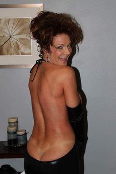 Deauxma Posing in sexy lingerie