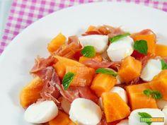 Insalata di papaia, mozzarelline e prosciutto crudo  #ricette #food #recipes