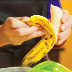 Click here for great HOW TO VIDEOS, delicious recipe ideas and more!CHECK IT OUT how it works A quick explanation Peel over-ripe bananas and freeze for 24 hours. Turn on Yonanas maker Insert frozen banana in the chute and push the banana down using the plunger. Repeat with frozen fruits or chocolate. Collect Yonanas in …