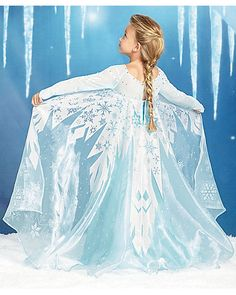 Nola's costume for Big plans, fun parties.I wonder which costumes Daddy & I will finally decide upon. King & Queen of Arendelle perhaps?