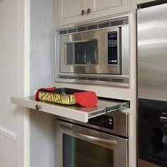What You Need to Do About Modern Kitchen Cabinet Design Ideas - walmartbytes Smart Kitchen, Modern Kitchen Cabinets, Kitchen Cabinet Design, Kitchen Redo, New Kitchen, Kitchen Storage, Kitchen Dining, Kitchen Ideas, Kitchen Rustic