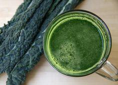 4 leaves organic lacinato kale 1 organic cucumber 3 cups organic spinach 5 stalks organic celery 1/2 bunch organic parsley