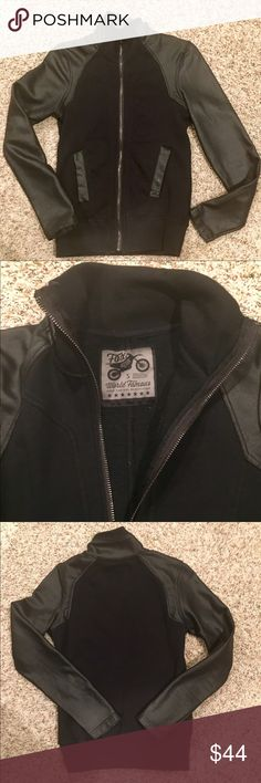 FOX WORLD CLASS JACKET FOX WORLD CLASS JACKET - WOMENS SMALL WORN A FEW TIMES Fox Jackets & Coats