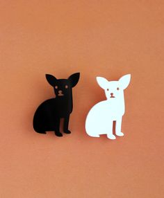 Chihuahua designer brooch - laser cut acrylic - black or white - pet pin by Nechegonadet on Etsy