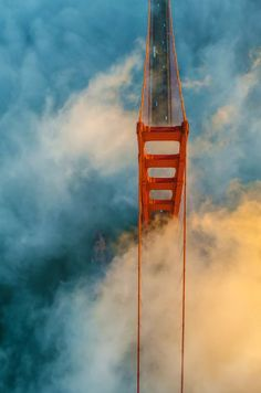 Golden Gate Bridge, San Francisco (California, travel, wanderlust, places to… Oh The Places You'll Go, Places To Travel, Puente Golden Gate, Beautiful World, Beautiful Places, To Infinity And Beyond, Birds Eye View, Adventure Is Out There, Golden Gate Bridge