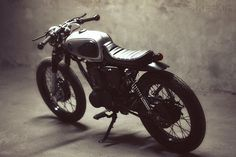 I Love this Bike! Honda by Dauphine-Lamarck British Motorcycles, Vintage Motorcycles, Custom Motorcycles, Custom Bikes, Honda Cb125, Tw200, Moto Bike, Motorcycle Clubs, Looks Cool
