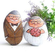 คู่รักตายายแต่งงาน อิอิ #stone #painting #art #gifts
