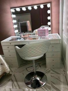 SlayStation® Makeup Vanity Storage Unit - Impressions Vanity Co. - - SlayStation® Makeup Vanity Storage Unit – Impressions Vanity Co. Room inspo SlayStation Make-up-Waschtischunterschrank mit 5 Schubladen Makeup Vanity Storage, Bedroom Makeup Vanity, Vanity Room, Makeup Room Decor, Makeup Rooms, Vanity Set, Makeup Chair, Makeup Vanities, Vanity Ideas