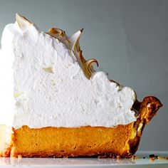 Deep-Dish Pumpkin-Meringue Pie by Martha Stewart (photo Johnny Miller) - and lots of other delicious pumpkin recipes. Yummy Treats, Sweet Treats, Yummy Food, Delicious Recipes, Amazing Recipes, Healthy Recipes, Pumpkin Recipes, Fall Recipes, Köstliche Desserts