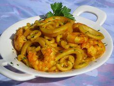 Fideuá de calamares _ olla GM Hecha con la mitad de ingredientes Fish Dishes, Seafood Dishes, Mexican Food Recipes, Ethnic Recipes, Spanish Food, Barbacoa, Paella, Gm Olla, Macaroni And Cheese