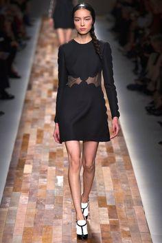 Valentino Fall 2013 Ready-to-Wear Collection Photos - Vogue New Fashion Trends, Runway Fashion, High Fashion, Fashion Show, Womens Fashion, Fashion Design, Review Fashion, Saab, Emilio Pucci