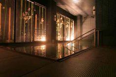 【 大浴場 】 ムードを感じる大浴場。夜のライトアップと温泉に癒される夜もおすすめ