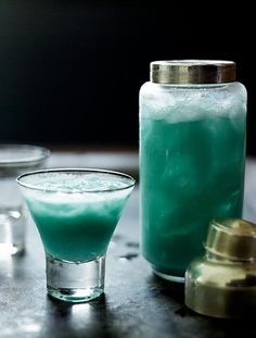 From the sea-blue colour to the tropical flavours, this fruity pineapple cocktail makes you want to hit the beach.