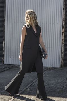 http://oraclefox.com/wp-content/uploads/2015/08/Black-Outfit-MSGM-Vest-Flares-Oracle-Fox.4.jpg