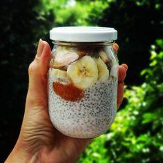 Chia Pudding de lanchinho pra mais tarde Fala se não é lindo?!  #comidadeverdade #densidadenutritiva #nutricaofuncional #chiapudding